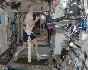 Тренировка мышц в космосе