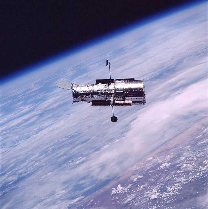 """Орбитальный рентгеновский телескоп """"ХММ-Ньютон"""""""