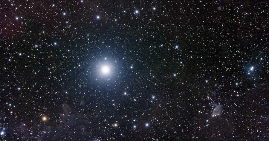 Эпсилон в созвездии Возничего