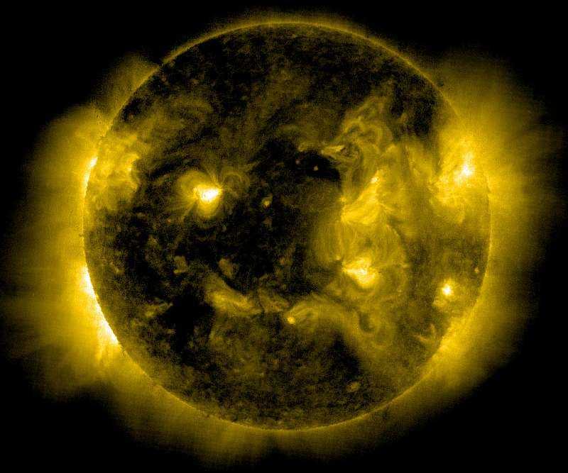 Солнце в различных диапазонах волн