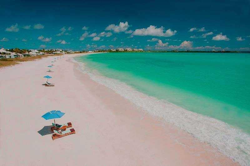 Розовый пляж на острове Харбор, Багамсике острова