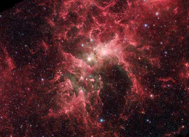 Красные галактики во вселенной
