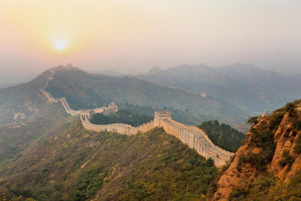 Великая Китайская стена на рассвете
