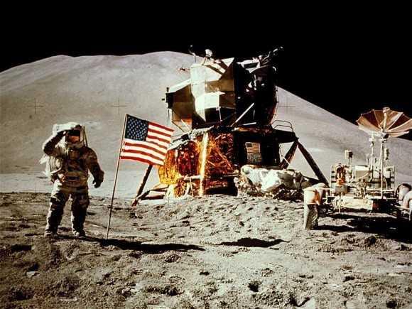 Аполлон-15 - первый полет на Луну
