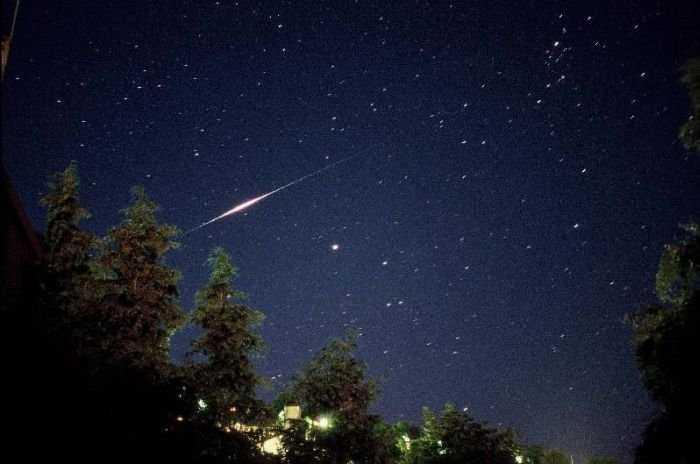 Вспышки иридиума в ночном небе