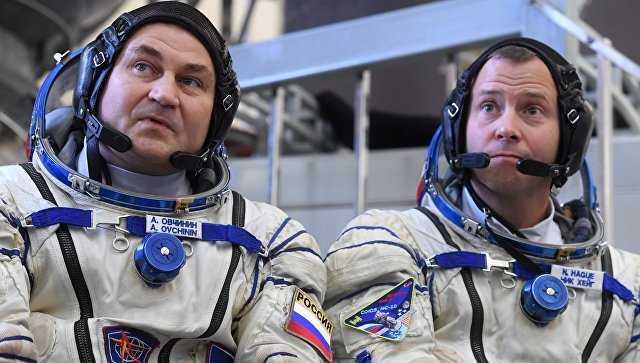 Астронавт Тайлер Хейг и космонавт Алексей Овчинин