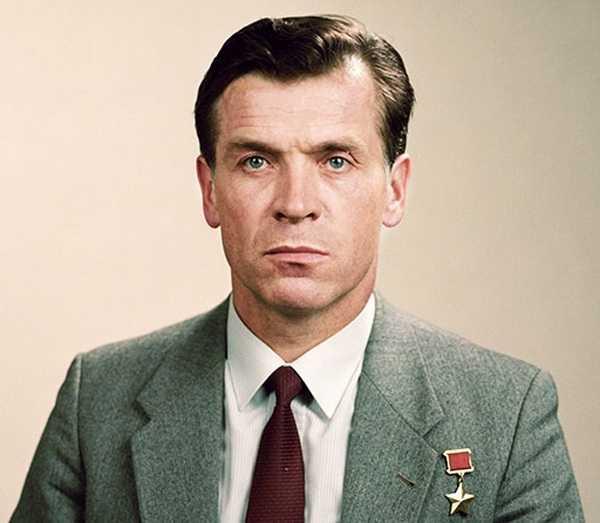 Александр Серебров